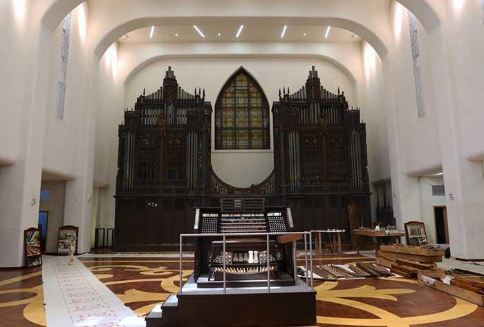 今天,卡萨翁——这台目前中国大陆最大的管风琴在它百岁之时,终在图片